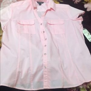 💗💓Pink Short sleeve shirt with pockets💓💗